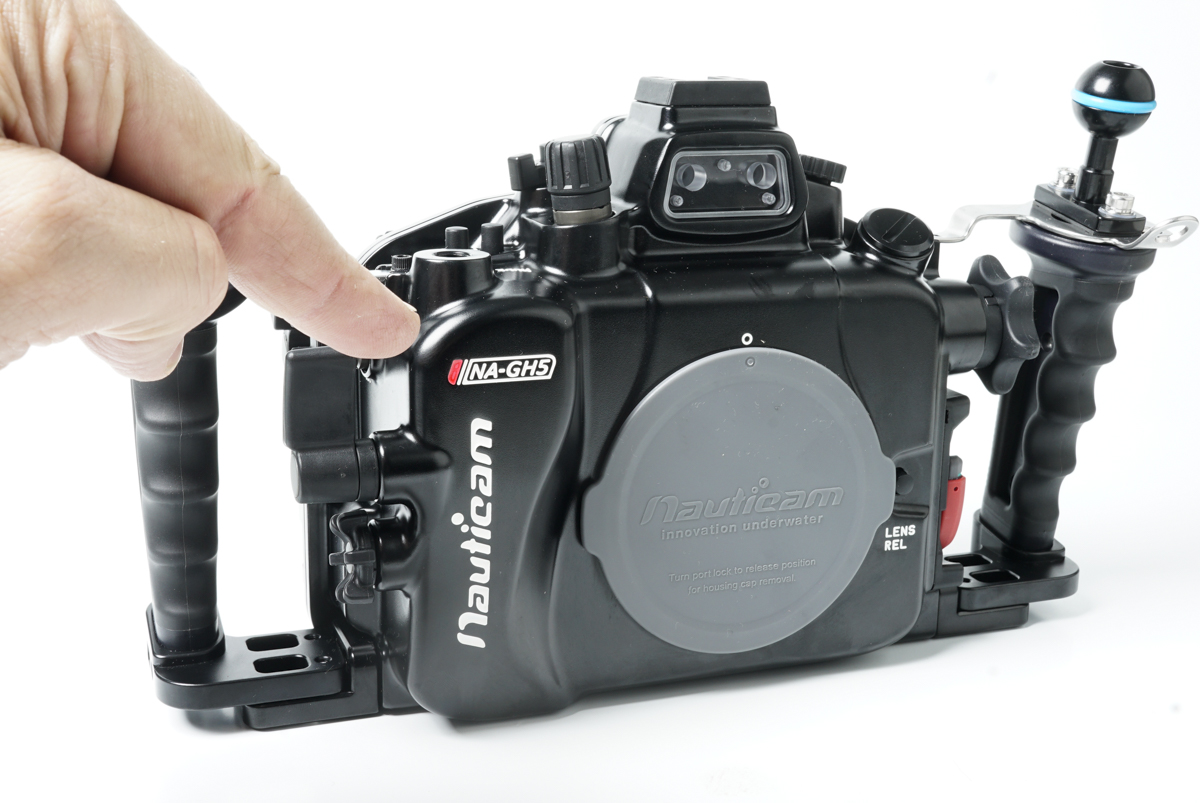 Nauticam GH5 underwater housing